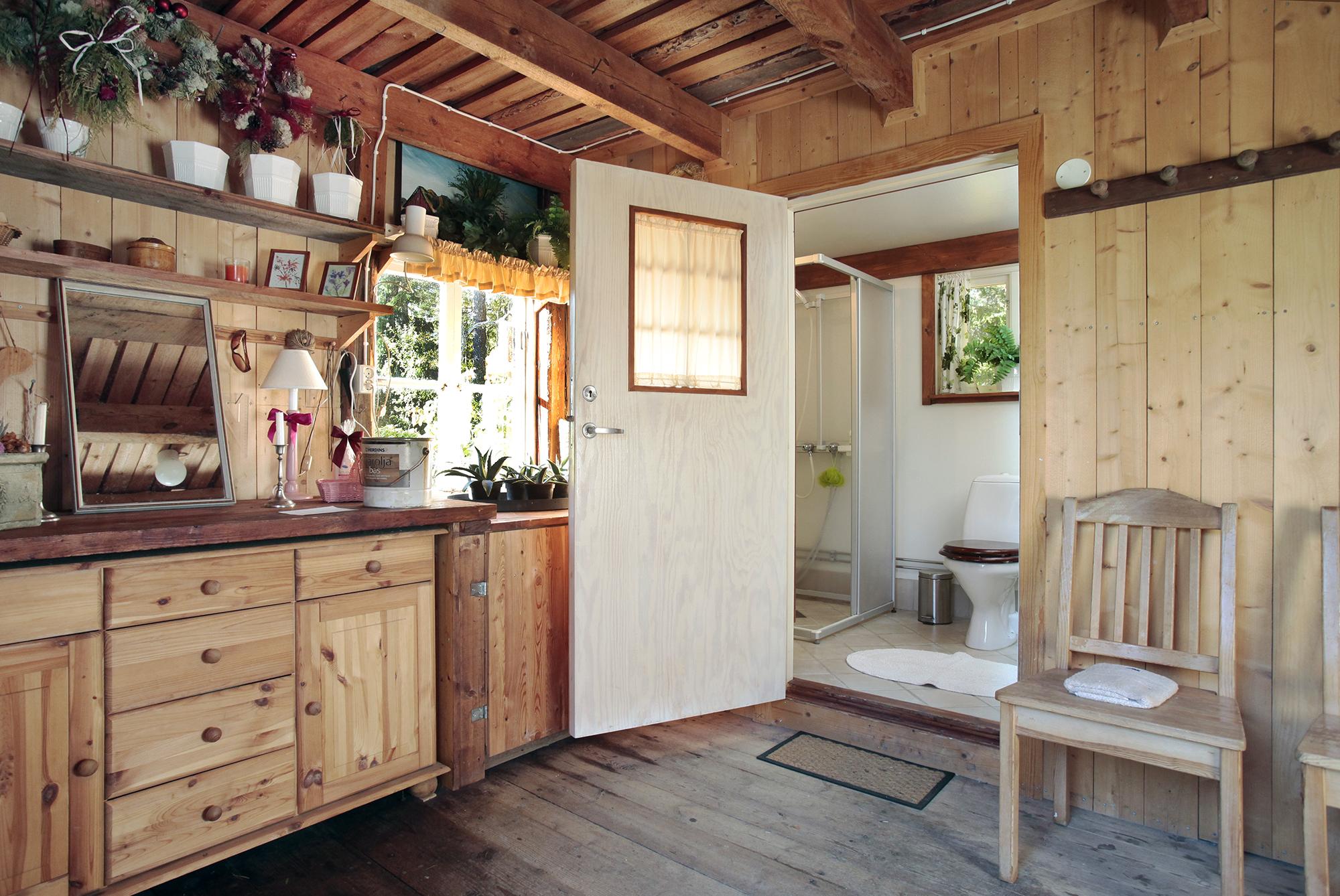 Badrummet ligger i separat hus